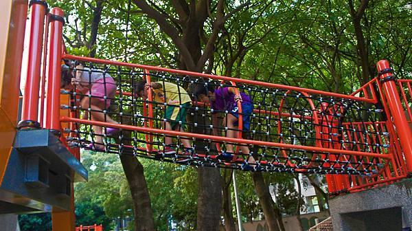 四維公園-巨獸攀爬遊戲場,板橋,特色公園-16.jpg
