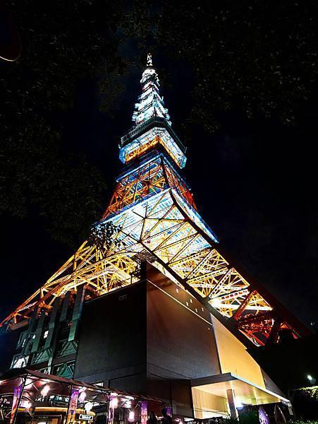東京鐵塔旁停車場出口樓梯交通-2.jpg