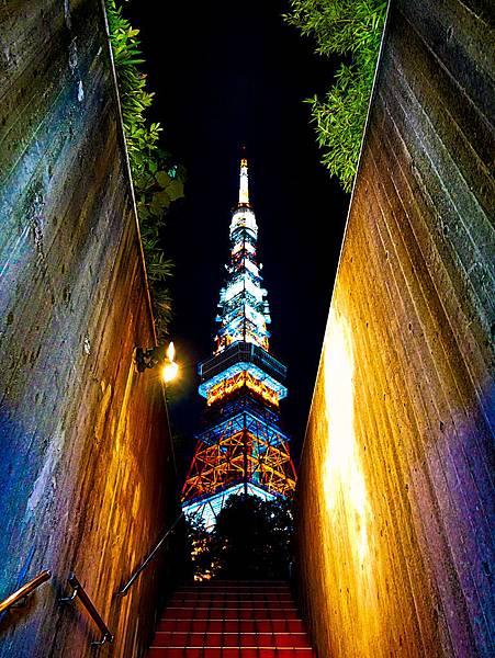 東京鐵塔旁停車場出口樓梯交通-3.jpg