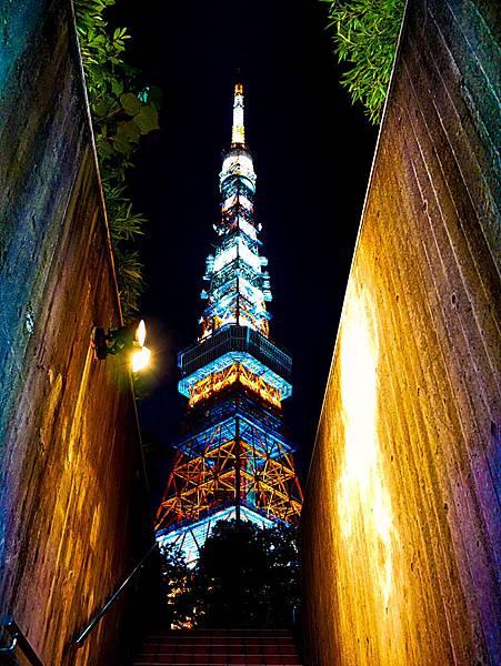 東京鐵塔旁停車場出口樓梯交通-4.jpg