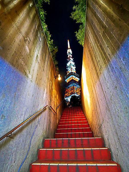 東京鐵塔旁停車場出口樓梯交通-5.jpg