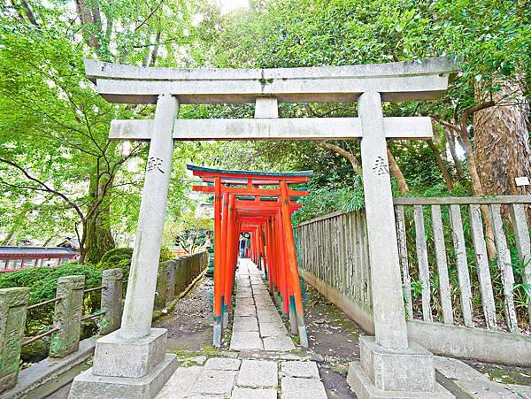 千本鳥居 (根津神社)-5.jpg