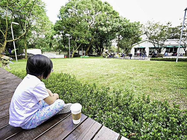星巴克草山門市,陽明山-8.jpg