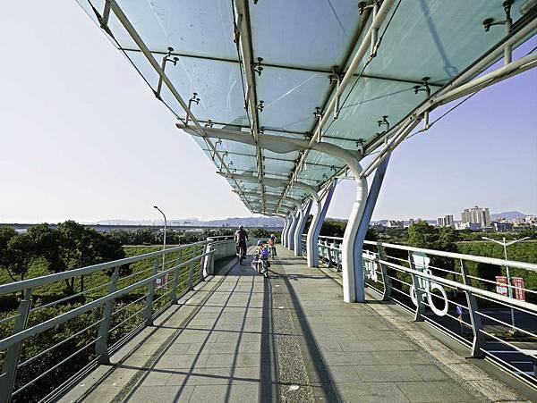 湳仔溝鐵馬驛站,自行車步道,新月橋下-25.jpg