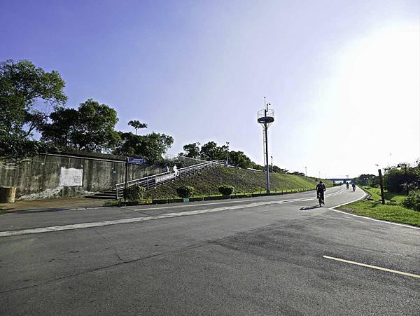 湳仔溝鐵馬驛站,自行車步道,新月橋下-31.jpg