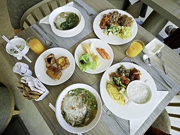 Solitaire Bangkok Sukhumvit 11-25.jpg