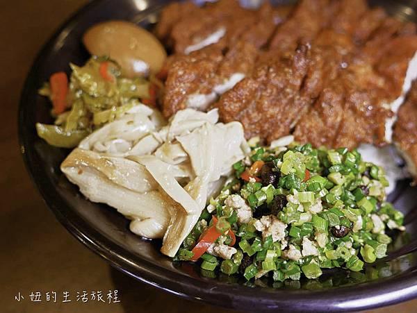 上味食堂,台東美食,行李箱牆-9.jpg