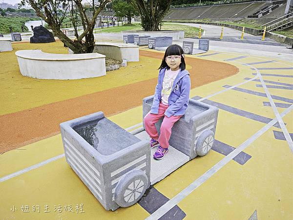 道南河濱公園遊戲場-2.jpg