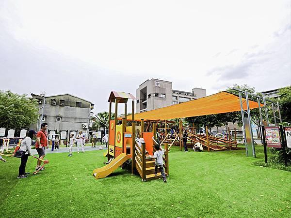 艋舺公園,和平青草原,萬華特色公園-4.jpg