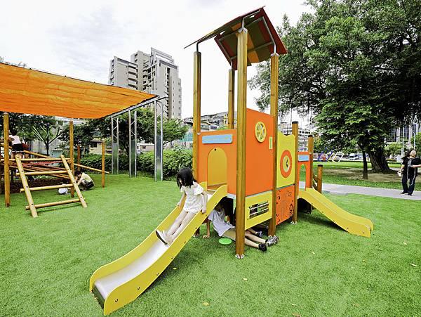 艋舺公園,和平青草原,萬華特色公園-6.jpg
