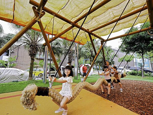 艋舺公園,和平青草原,萬華特色公園-11.jpg