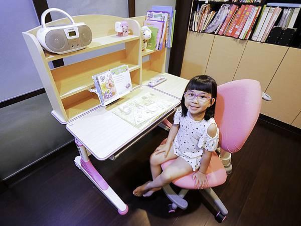 成長天地,兒童書桌,兒童椅-4.jpg