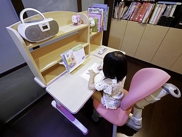 成長天地,兒童書桌,兒童椅-5.jpg