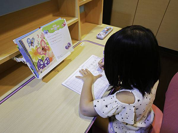 成長天地,兒童書桌,兒童椅-6.jpg