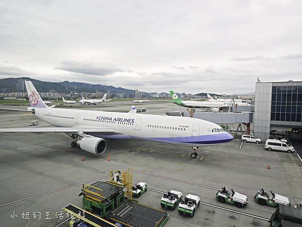 松山機場景觀台,看飛機-20.jpg