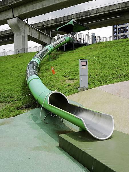 大都會公園,獼猴溜滑梯-3.jpg
