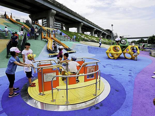 大都會公園,獼猴溜滑梯-1.jpg