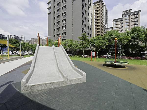 集智綠地,蘆洲家樂福公園-11.jpg