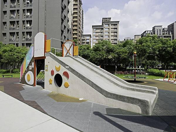 集智綠地,蘆洲家樂福公園-9.jpg