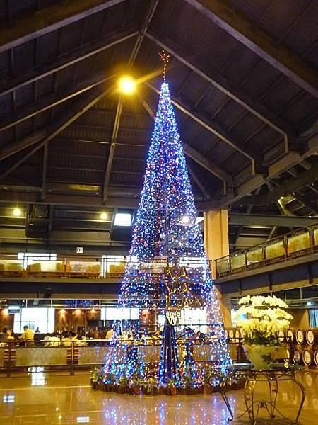 2_一樓燈樹.JPG