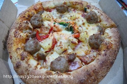 [試吃]達美樂新品:龍蝦霸丸滋心小披薩_P1030115