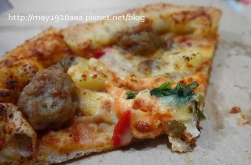 [試吃]達美樂新品:龍蝦霸丸滋心小披薩_P1030171