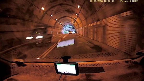 出隧道口-800.jpg
