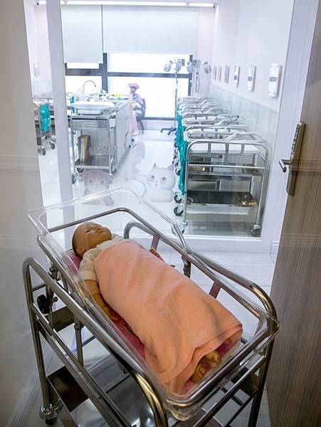 嬰兒室會客