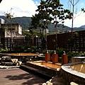 大樓公用戶外青磺、白磺溫泉泡湯池以及泡腳池
