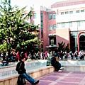 大學生排隊