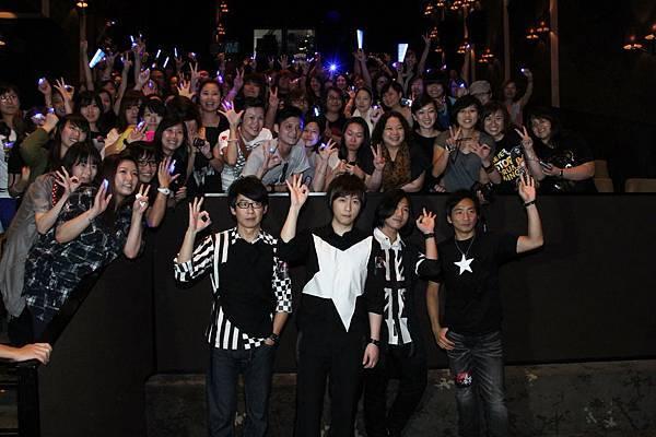 五月天與香港歌迷見面.jpg