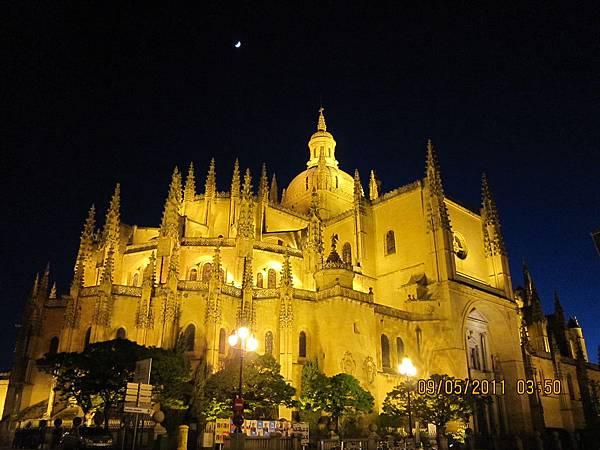塞哥維亞大教堂.JPG
