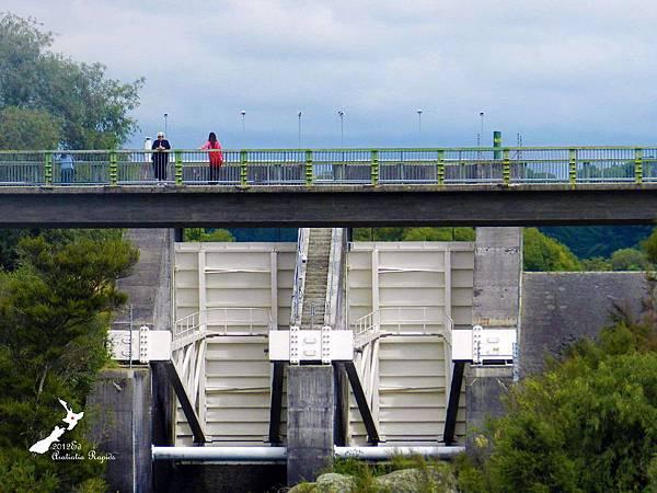 2/12Aratiatia Dam