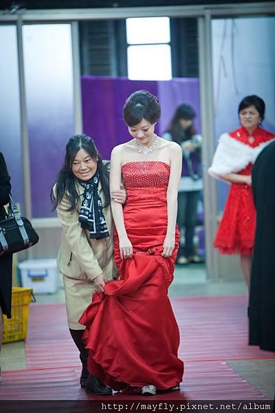 新娘出來領紅包