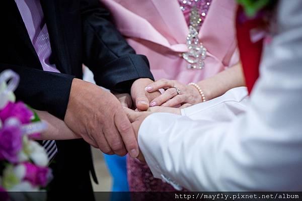 爸媽將我的手交給老公