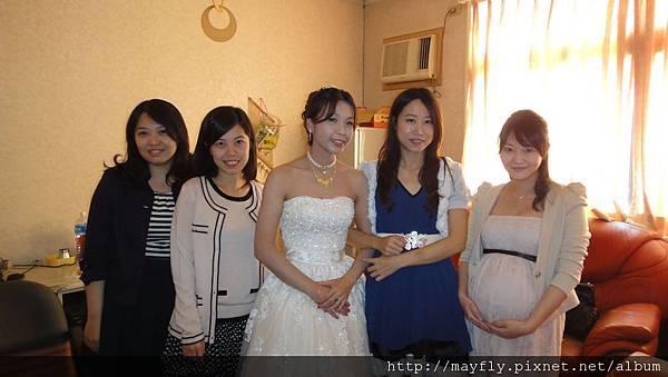 跑去新娘房打擾新娘是一定要的啊!