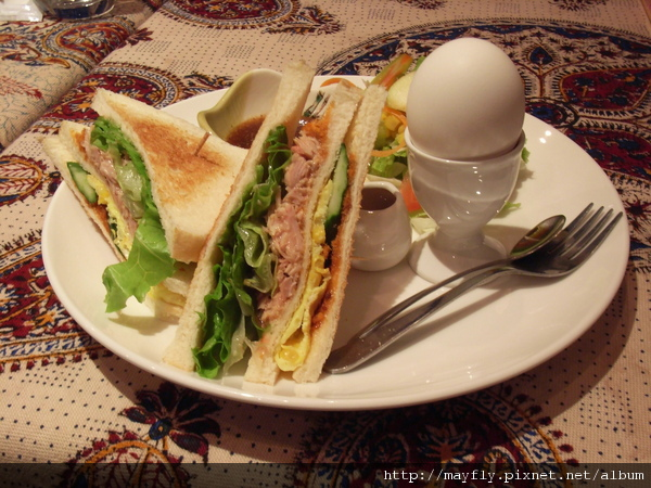 超好吃鮪魚三明治