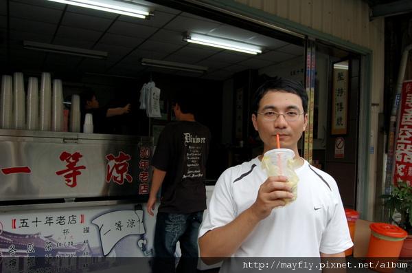 買了冬瓜茶+冬瓜檸檬(小/10元;大/20元)
