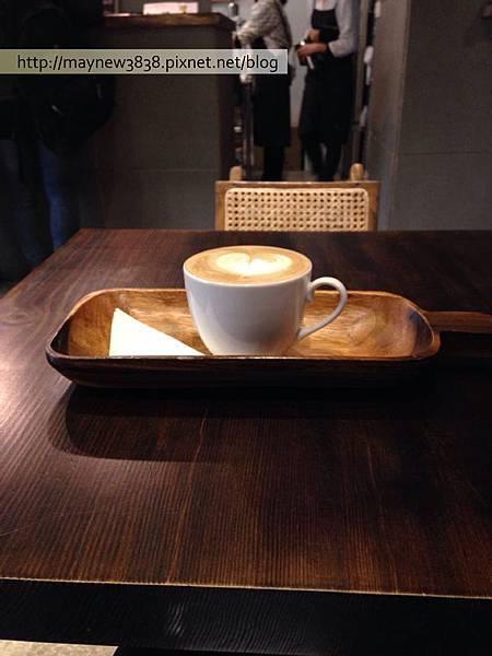咖啡上桌了