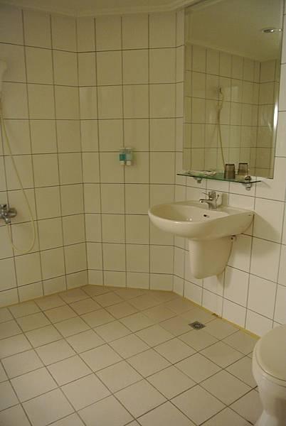 浴室好大喔