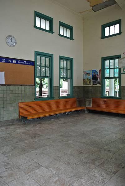無人管的車站