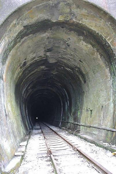 很長的隧道