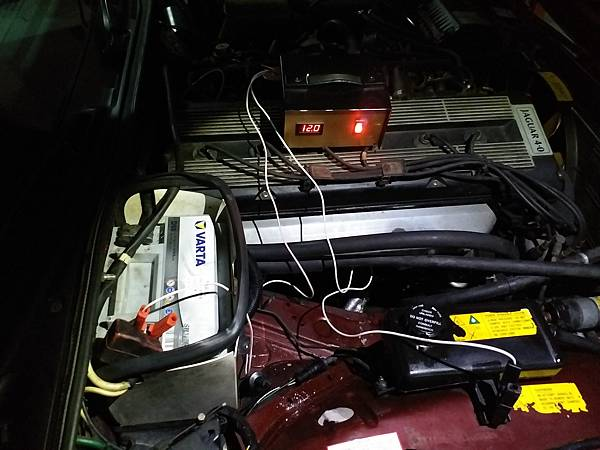 大外 jaguar xj40電瓶更換_180307_0003.jpg