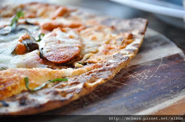 09 Chorizo & Wild Mushroom Flatbread.jpg