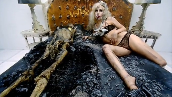 Gaga - Bad Romance (40).bmp