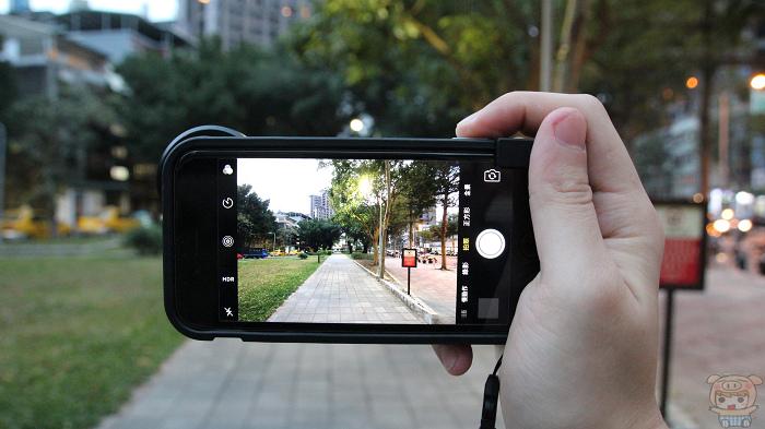 【好文要推】讓 iPhone 拍照進化!bitplay 照相手機殼分享 - 24