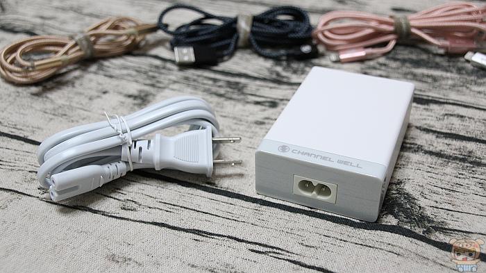 侨威科技 40W USB 充电器、QC3.0 快充开箱评测