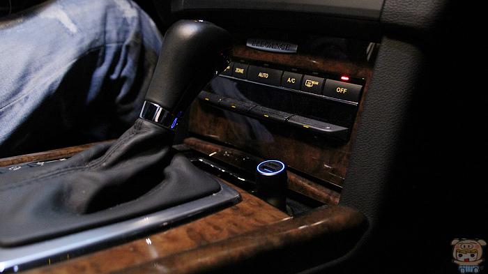 支援 28W 快充,華碩雙 USB-C+A 車用快充開箱評測