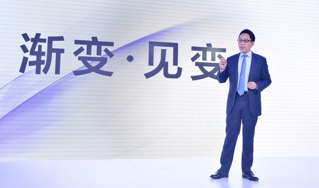 圖說:OPPO副總裁吳強在春季新品媒體溝通會上發表主題演講.jpg