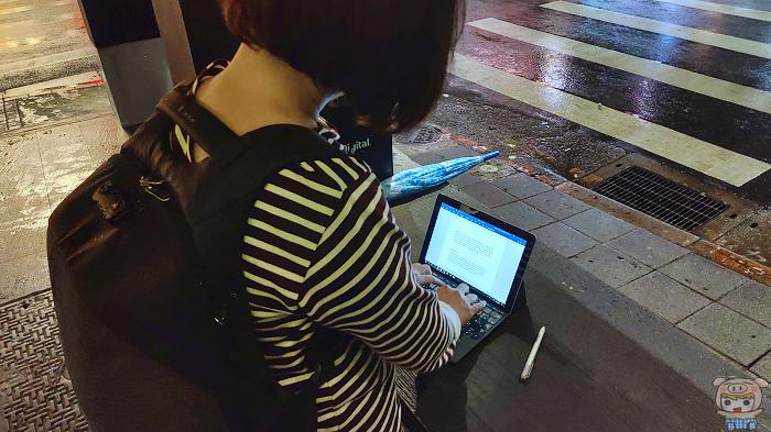 工作娛樂樣樣行,微軟 Surface Go 開箱評測
